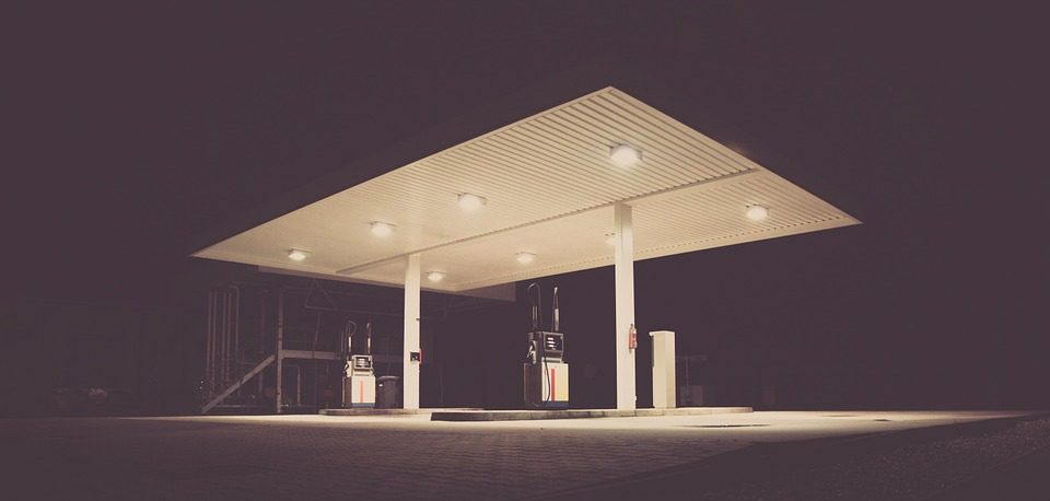 gas-station-692045_960_720