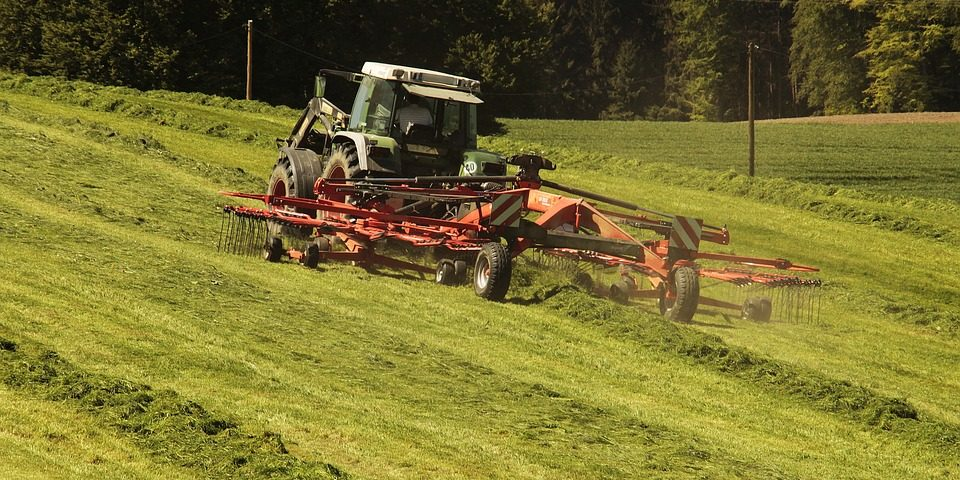 tractor-3382681_960_720